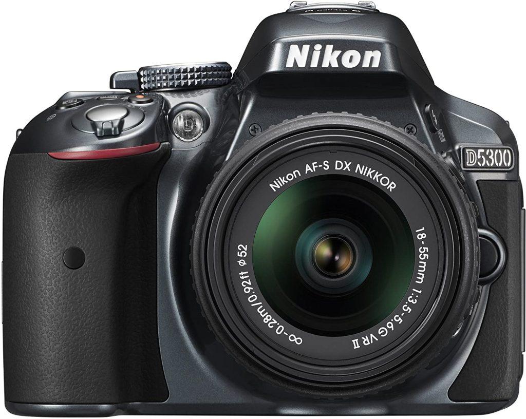 Nikon D5300: swivel monitor, WiFi, GPS & 24 MP